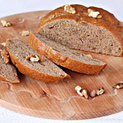 Whole-wheat walnut bread