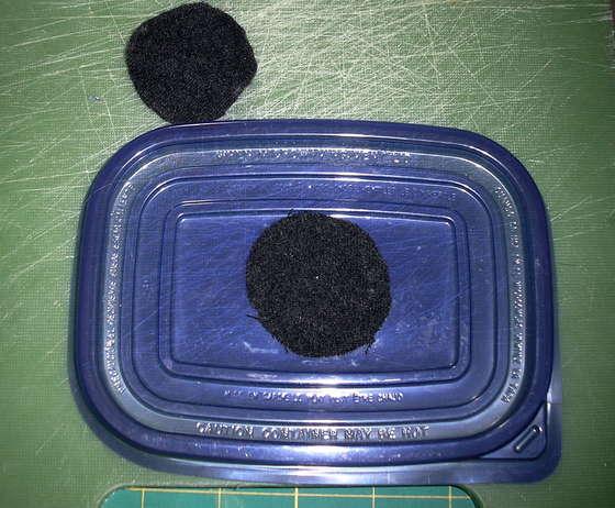 กล่องใส่ไหมพรม ทำเอง diy กล่องพลาสติก พลาสติกใช้แล้ว รีไซเคิล งานฝีมือ ที่ใส่ไหมพรมไหมถักโครเชท์ โครเชต์  พลาสติก ลดโลกร้อน ของใช้แล้ว