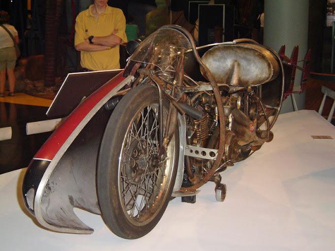 Burt munro's 1920 indian