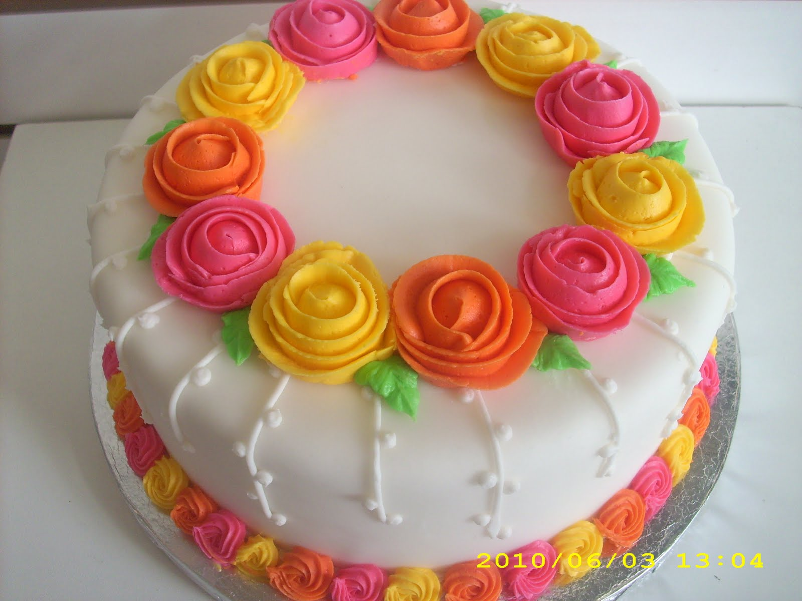 Cake Decorating Icing For Flowers : Cake-A-Thon: Decorating Basics Wilton Method Course