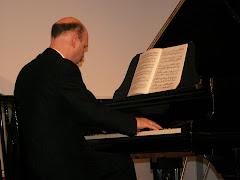 ... am Klavier