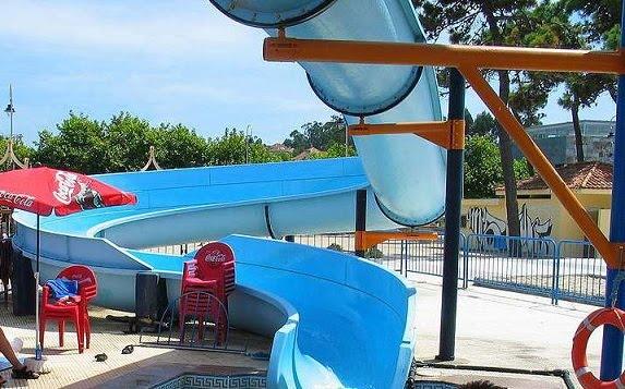Toboganes piscinas en galicia turismo galicia - Casas con piscina en galicia ...