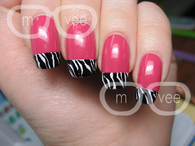 Nail art zebra tips