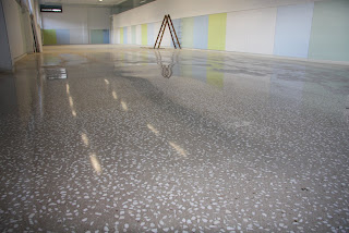 Taller brillonature guillerblog terrazo cont nuo con hormig n for Hormigon pulido blanco