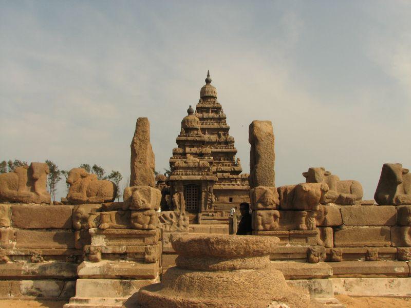 TEMPLE ARCHITECHTURE: MAHABALIPURAM TEMPLE.