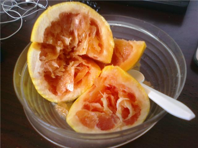 Kai Greene Grapefruit Video http://forum.bodybuilding.com/showthread.php?t=133334273&page=9