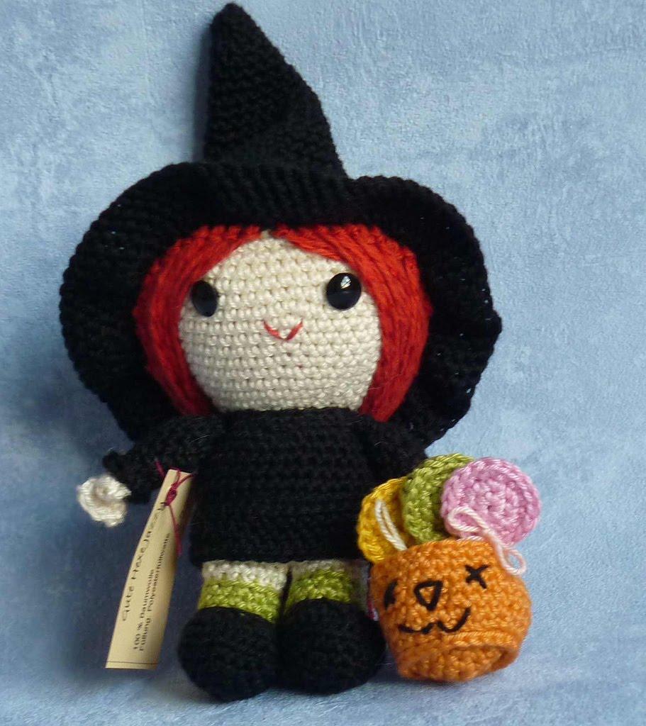 Free Amigurumi Witch Pattern : Dolls made by Akinna Stisu (design from K and J Dolls ...