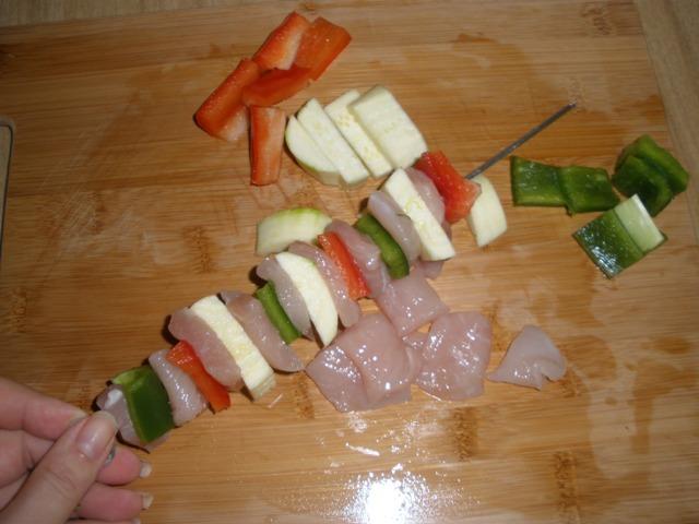 Brochetas de pollo con verdura