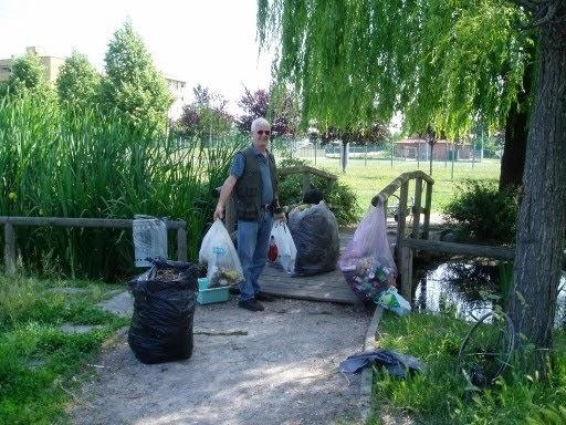 Brianza centrale puliamo la brianza con legambiente for Pulizia laghetto