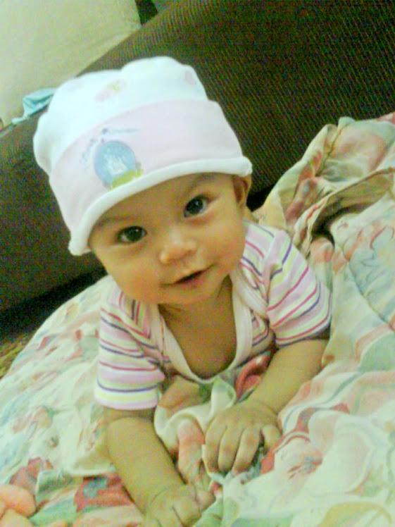 Cute Baby (^_^)