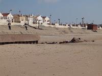Protecção costeira destruída