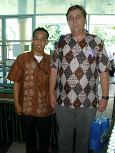 Adang Sutarman (Indonesian Teacher) and Mr Torben Venning (Direktur HUMANA Malaysia)
