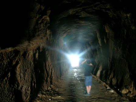 http://2.bp.blogspot.com/_uI4mTZQSpbM/S7PbdApwxGI/AAAAAAAAAXs/6cK14WEChos/s1600/tunel.jpg