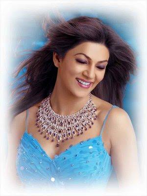 Sushmita Sen Diamond necklace from Kiah Jewellery