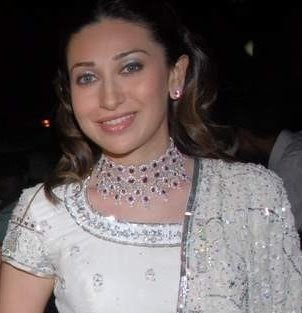 Bollywood actress karishma kapoor in Designer Diamond Jewellery