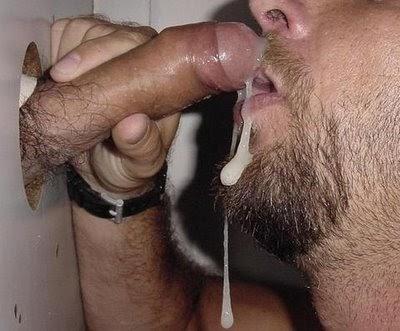 порно фото гей сосет через дырку в стене