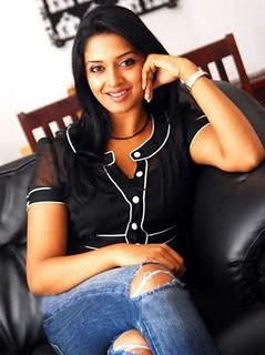 Tollywood Actress Vimala Rama in a Torn jeans with Black TOP Actress Vimala Raman in Black Top and Designer Jeans