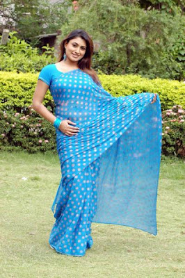 Malavika in Blue Saree  http://chudidaar.blogspot.com/