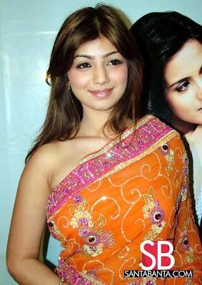 Ayesha Takia looks gorgeous in yellow designer saree