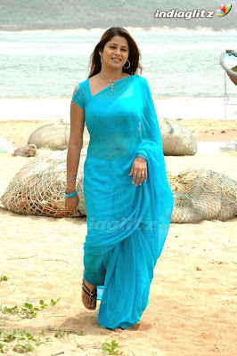 Actress Sangeetha in blue plain saree