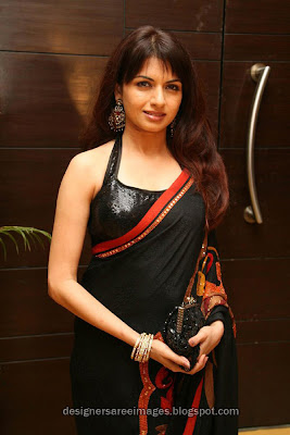 Bollywood actress in saree Bhagyashree