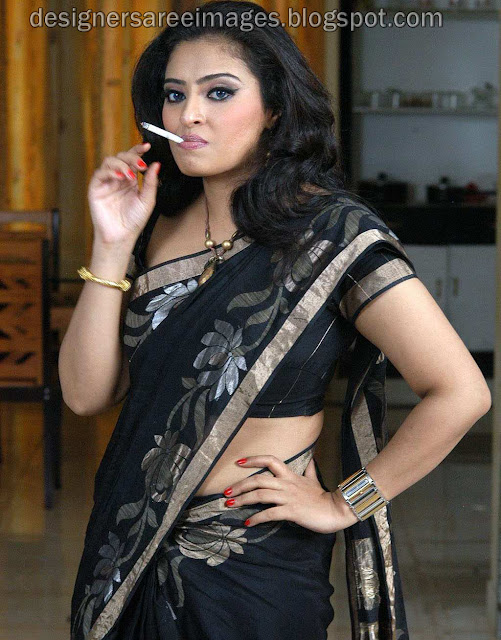 Tamil Actress Mumtaz in Black Designer Saree pictures