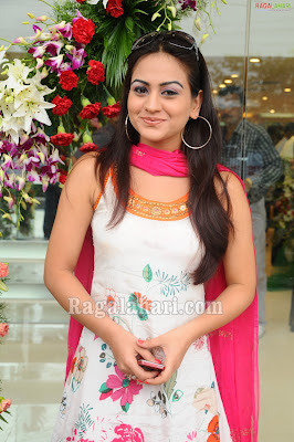 Actress Aksha in Sleeveless Salwar Kameez Pics