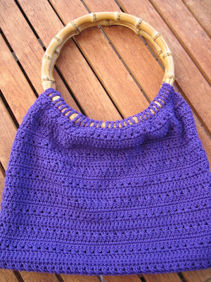 Crochet Bag Bamboo Handles Pattern : CROCHET BAG BAMBOO HANDLES PATTERN Crochet Patterns Only