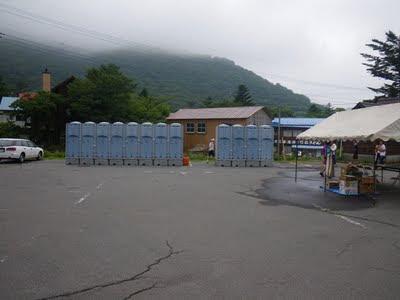 仮設トイレその2