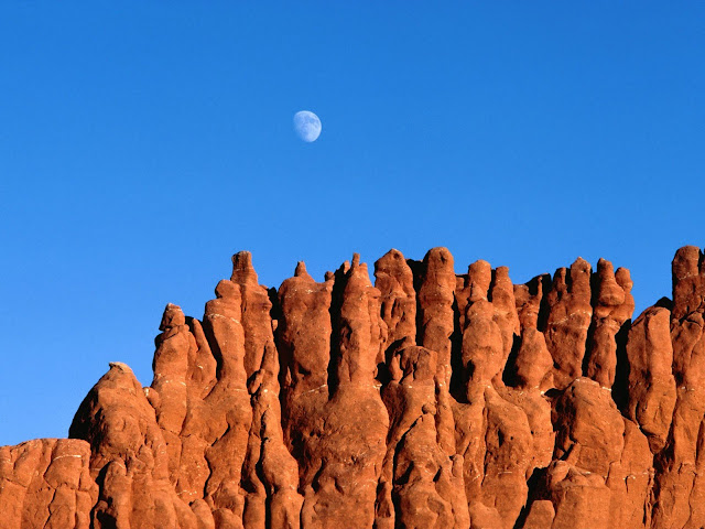 Moonrise bryce canyon national park utah