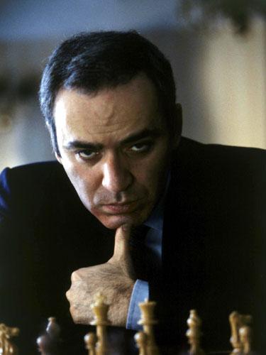 LEFT HANDED PEOPLE - Fact or fiction... is the average left-hander more intelligent? Kasparov
