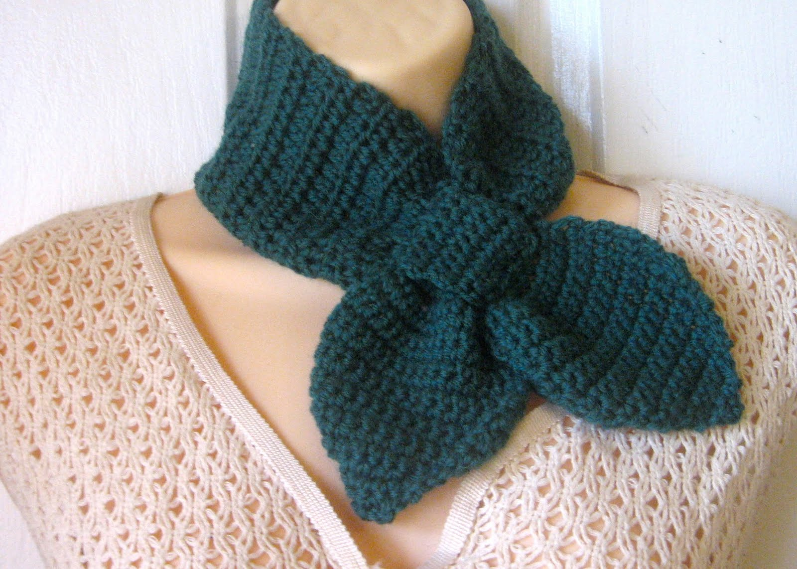 Crochet Patterns Neck Scarves : CROCHET PATTERN Popcorn Scarf Neck Warmer Wrap Button Up