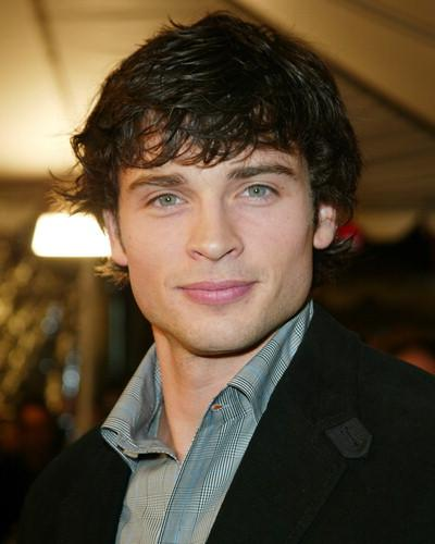 Tom Welling Classic Men Cute Short and Medium Haircuts 2010