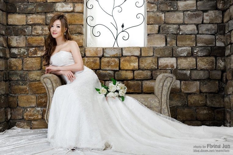 Jefren anderson hwang mi hee with white strapless for Wedding dresses anderson sc