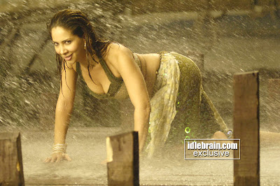 Photo Gallery: Kim Sharma Hot Actrees