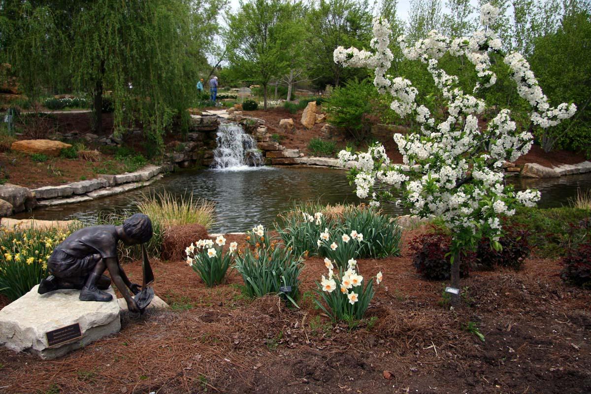 John and Sigrid\'s Adventures: The Overland Park, Kansas Arboretum ...