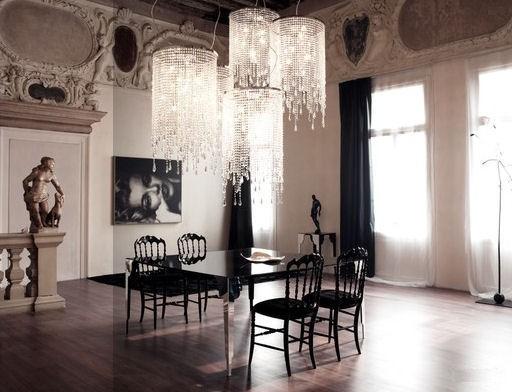 Dramatic Italia Dinning Room