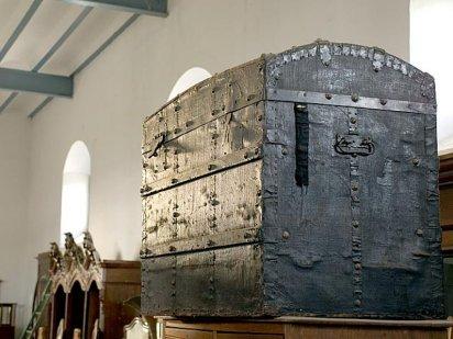 Decoracion y bricolaje malaga restaurar muebles antiguos ii - Muebles antiguos malaga ...