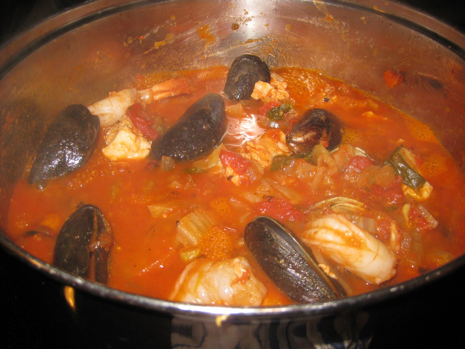 The Full Plate Blog: Quick & Easy Bouillabaisse