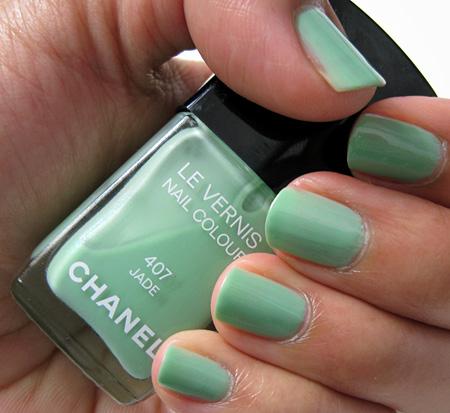 http://2.bp.blogspot.com/_ueGcWmOb3oY/TIk0Wb65erI/AAAAAAAABYE/jPa7HWtApfU/s1600/chanel-jade-review1.jpg