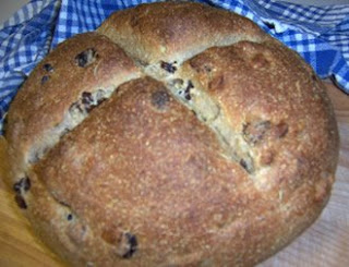 Rye Bread with Raisins and Rosemary