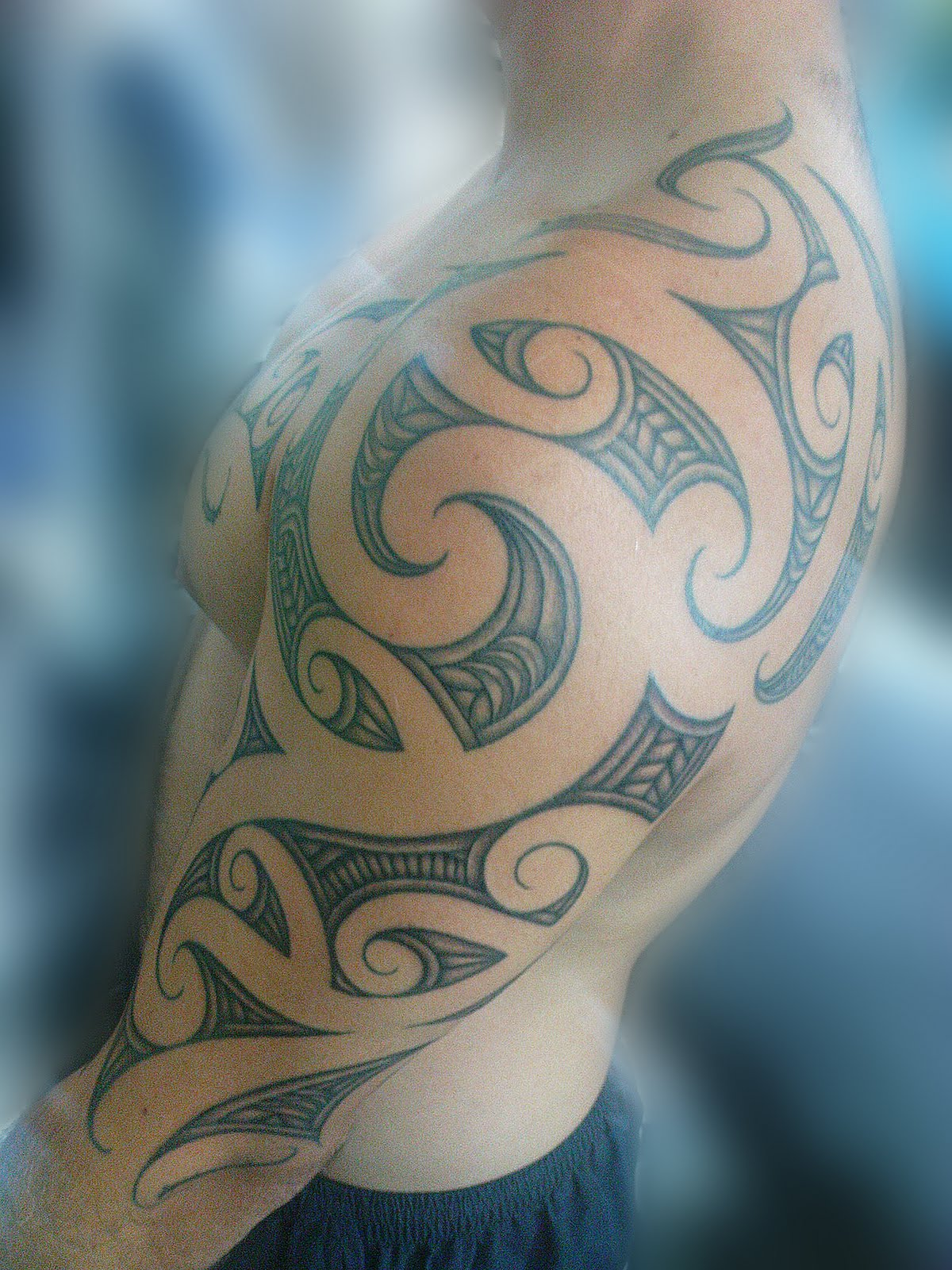 maori polynesian tattoo maori shoulder half sleeve tattoo. Black Bedroom Furniture Sets. Home Design Ideas