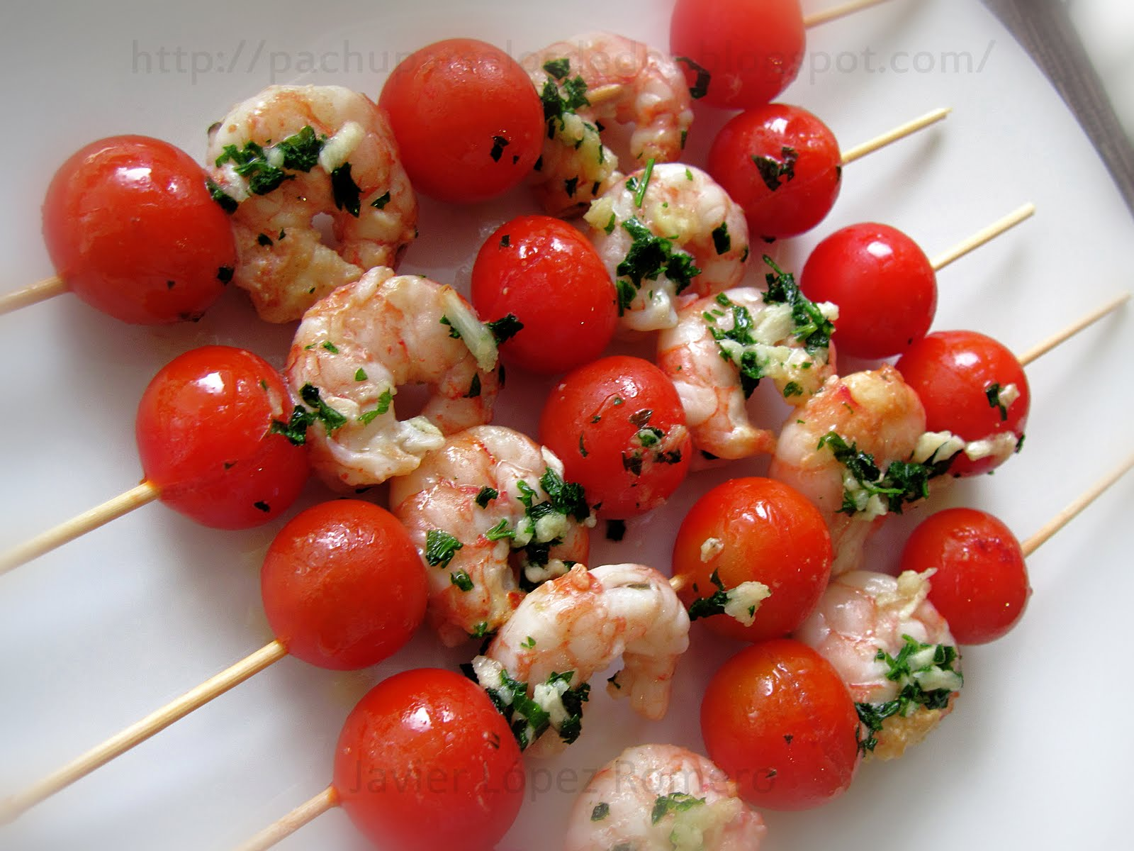 O do cocina brochetas de tomate cherry y gambas for Brochetas de gambas