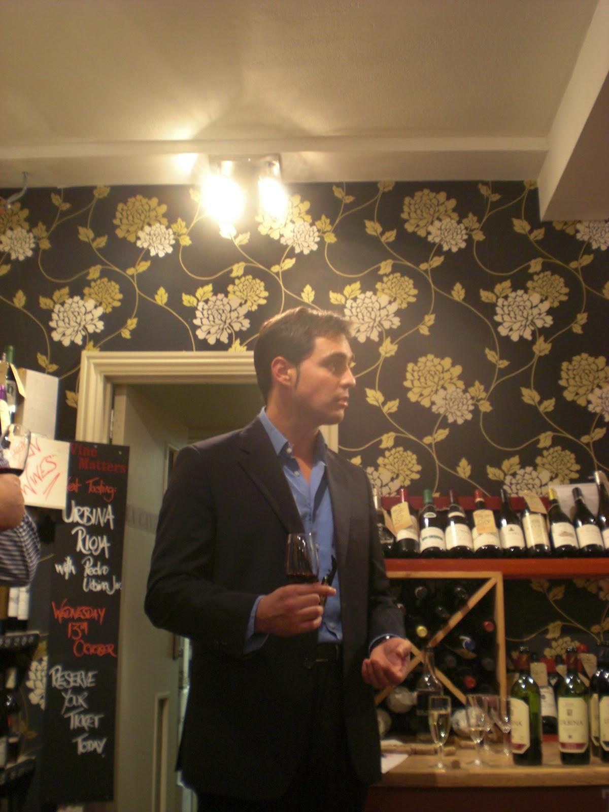 Pedro Benito en la Cata de los Vinos de Bodegas Urbina (Rioja) en Reino Unido