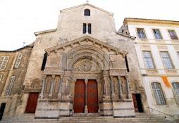 iglesia de Saint Trophime, Arles, Francia