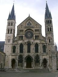 Basílica de Saint-Remi, Reims, Francia