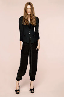 сиво - Облекло, мода, елегантност - Page 2 NINA+RICCI+-+resort+2011+-+8