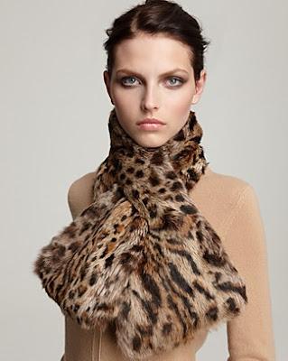 сиво - Облекло, мода, елегантност - Page 2 Scarf+fur+2011