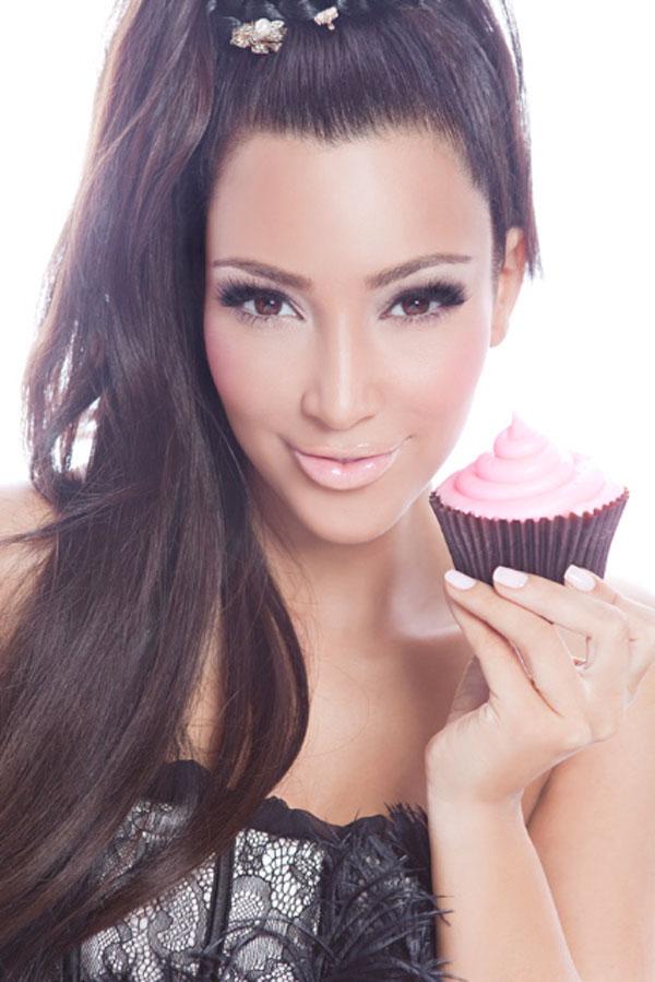 kim kardashian makeup organizer in her bathroom. Kim+kardashian+makeup+