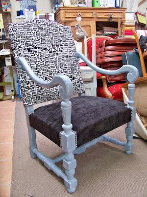tapissier decorateur fauteuil louis xiii a vendre 399. Black Bedroom Furniture Sets. Home Design Ideas